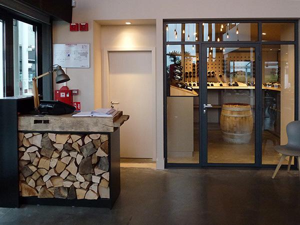 atelier de l 39 ours blanc b nisterie agencement menuiserie d coration votre. Black Bedroom Furniture Sets. Home Design Ideas